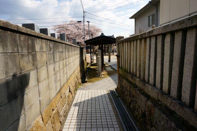 宝土寺への道