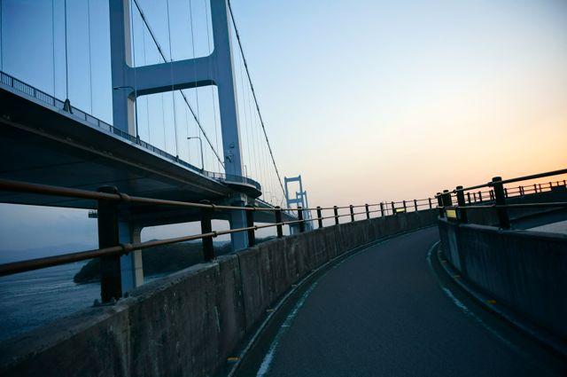 来島海峡大橋への道3