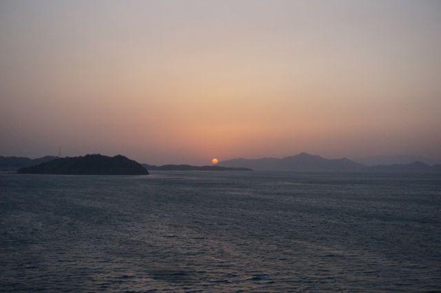 来島海峡大橋から見る日没2