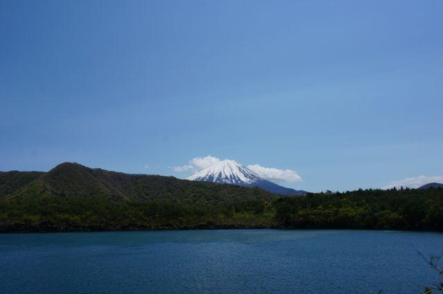 西湖と富士山
