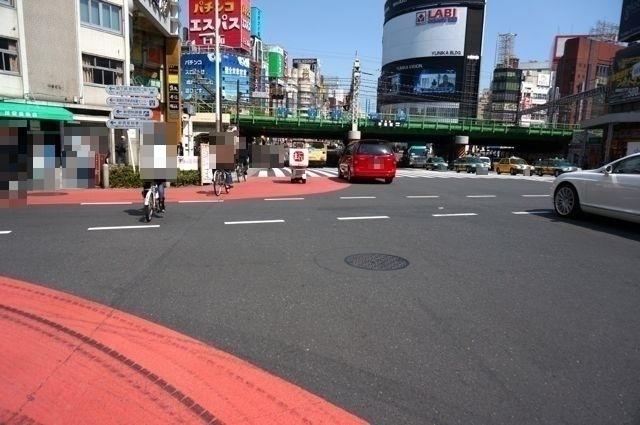新宿大ガード西交差点