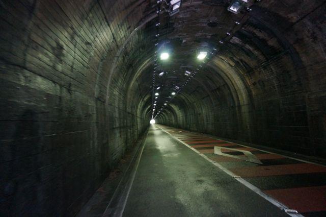 白髭トンネル内部