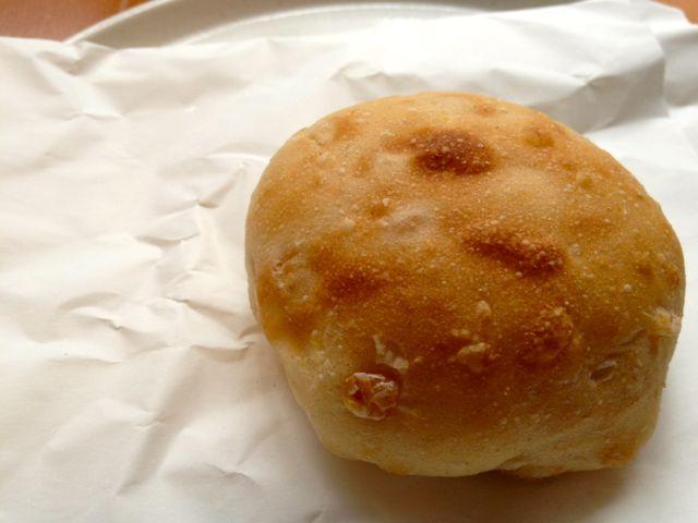 とうきびのまるいパン