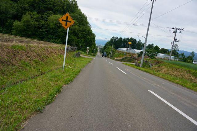 東中あつまるーむへの道2