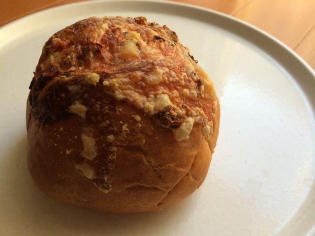 バジルトマトパン