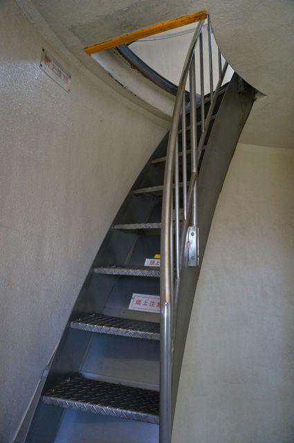 野島埼灯台・上部への階段