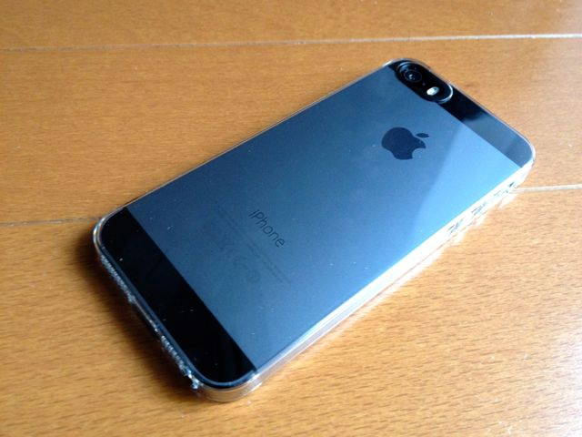 iPhone 5sにエアージャケットを装着・裏側