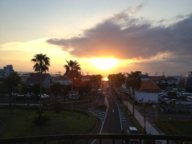 館山駅からの夕日