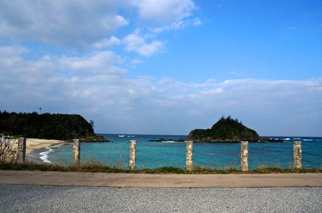 国道58号から見える海・名護市かりゆしビーチ付近