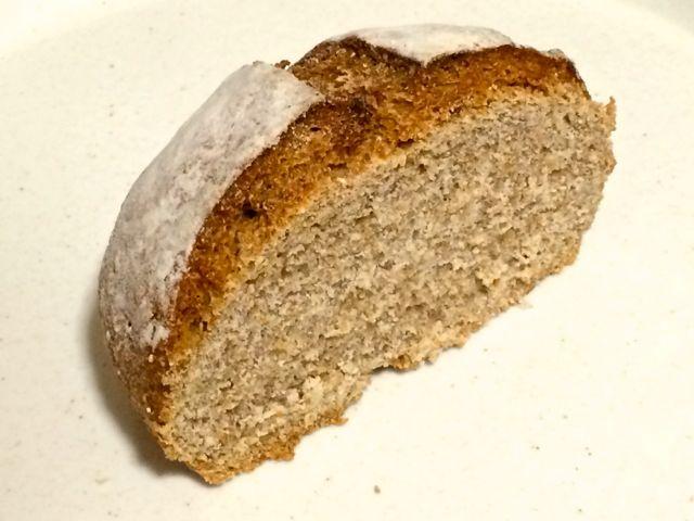 オーガニックライ麦のパン断面