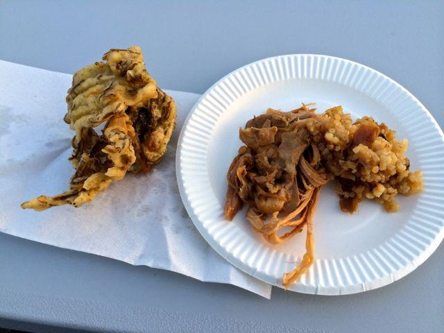 もずくの天ぷらと豚の丸焼き
