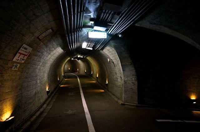袋田の滝トンネル内部