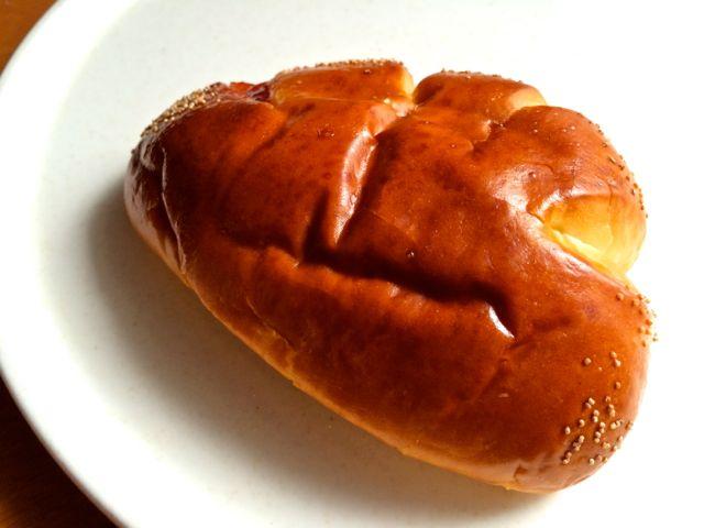 イチゴジャムパン