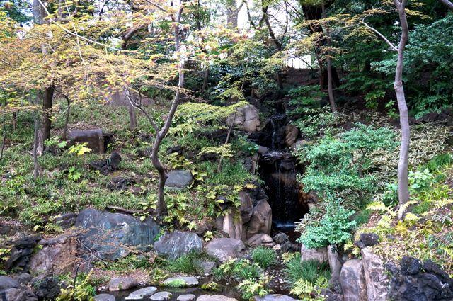 旧古河庭園・大滝
