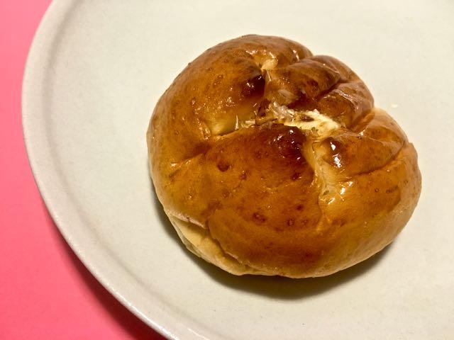 かつお節香る!煮たまごパン